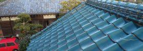 葺きなおし工事完了。元の屋根を残す。