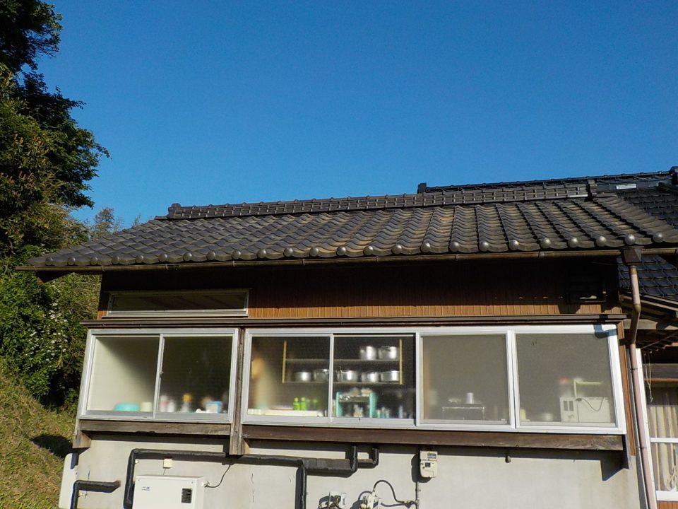 棟瓦取り直し工事。棟瓦のズレは雨漏りの原因。