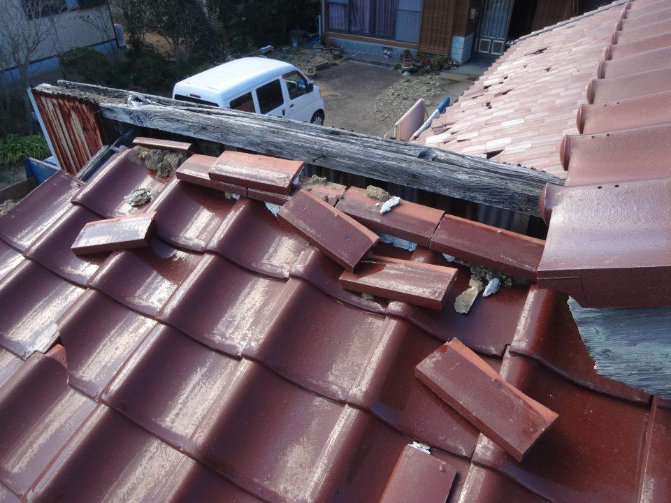 東日本大震災による破損が広範囲に