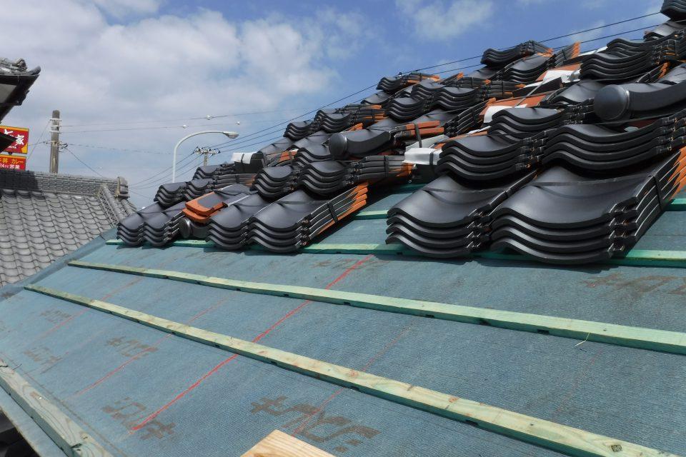 瓦桟を施工。雨水が逃げやすい構造