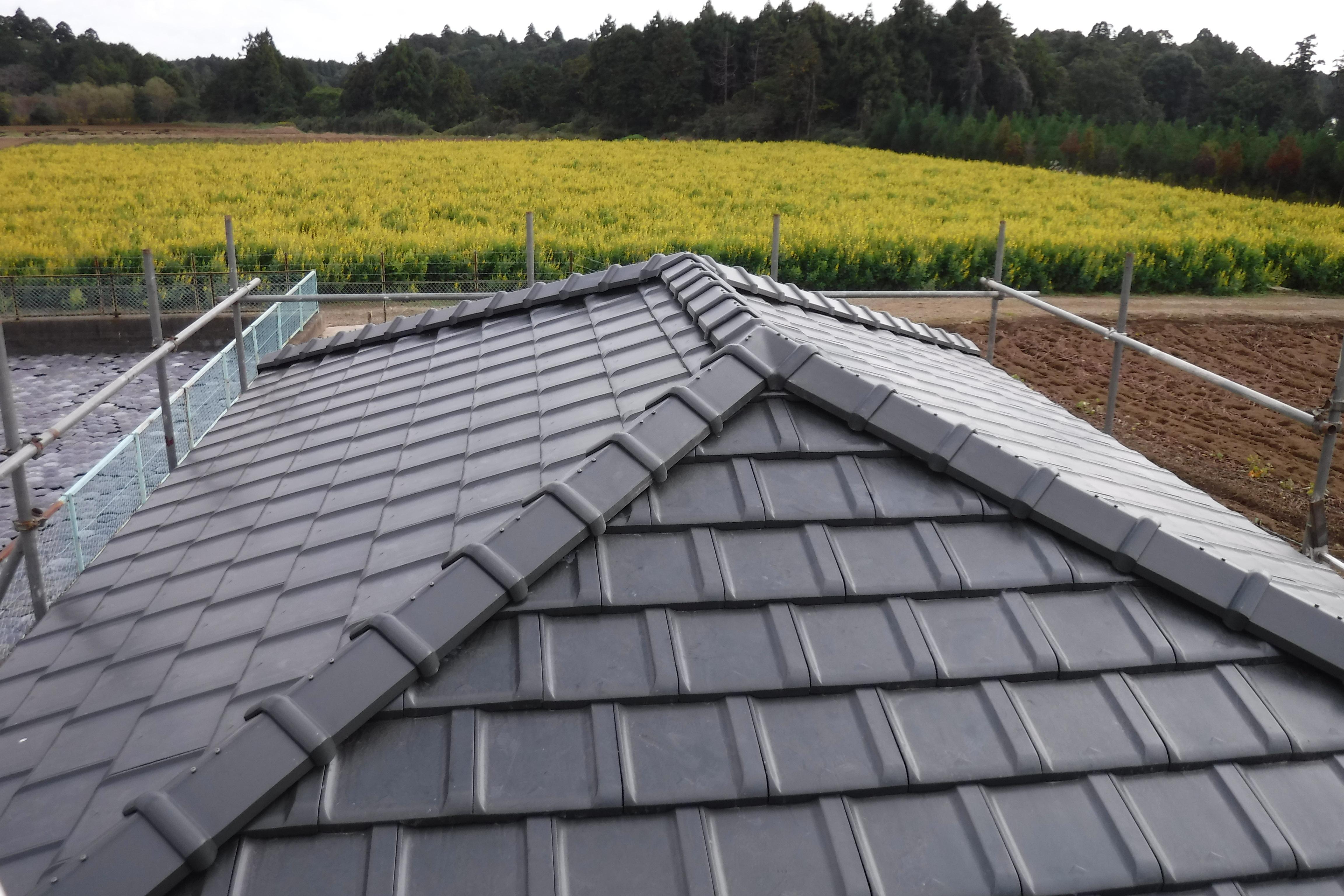 セメント瓦の寿命が来たら三州防災瓦の屋根へ葺き替え|成田市|加藤瓦店