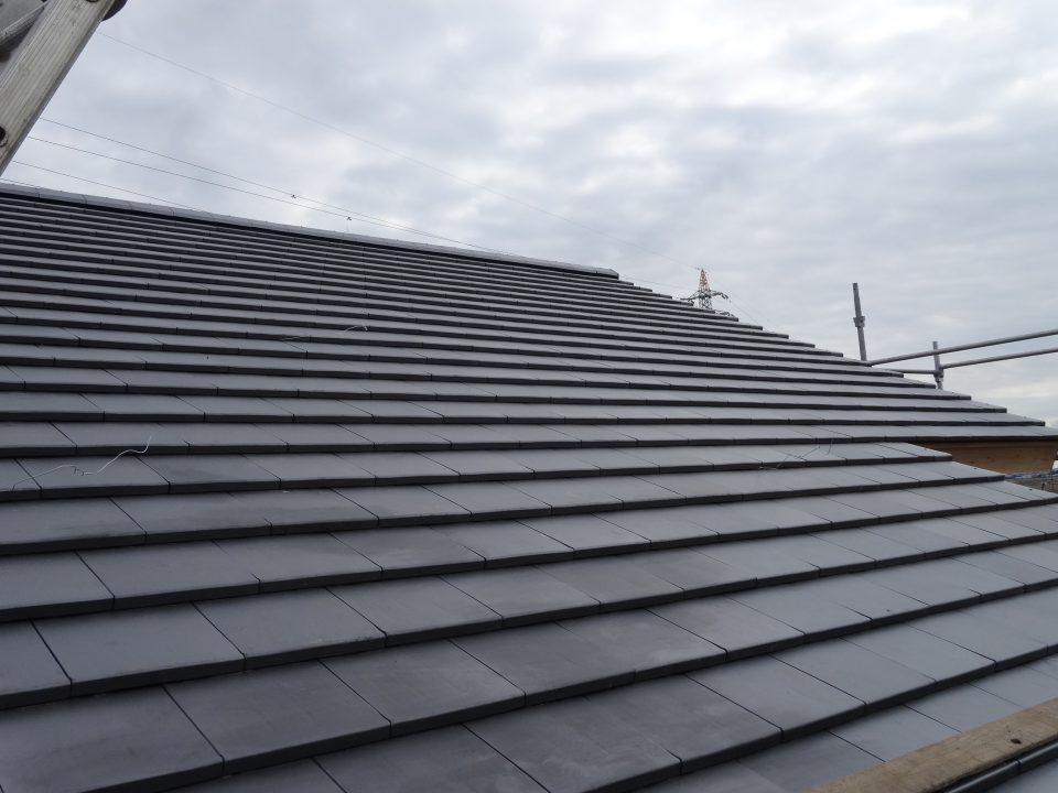 高級感のある屋根の仕上がり。稲敷