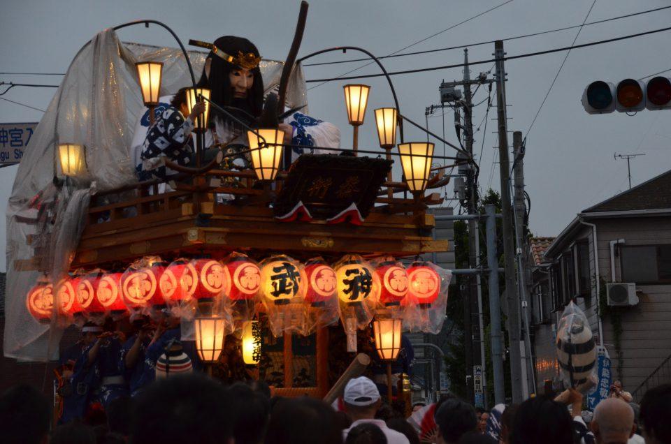 佐原の大祭は雨でもやります。